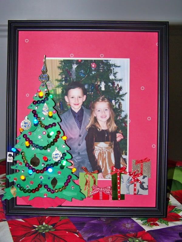 With Glittering Eyes Light Up Christmas Frame