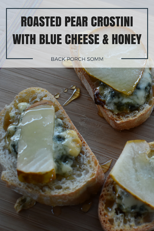 Roasted Pear Crostini with Blue Cheese & Honey | Easy Appetizers