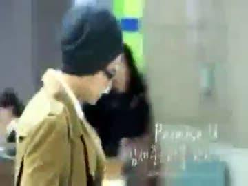 At Gimpo Airport アンチにバッグで攻撃されるチャンミン ニコニコ動画