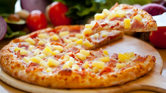 Canadian inventor of Hawaiian pizza defends pineapple after Iceland's president disses fruit topping