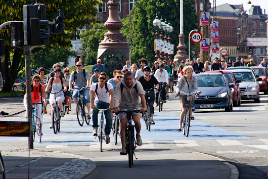 Why it makes sense to bike without a helmet