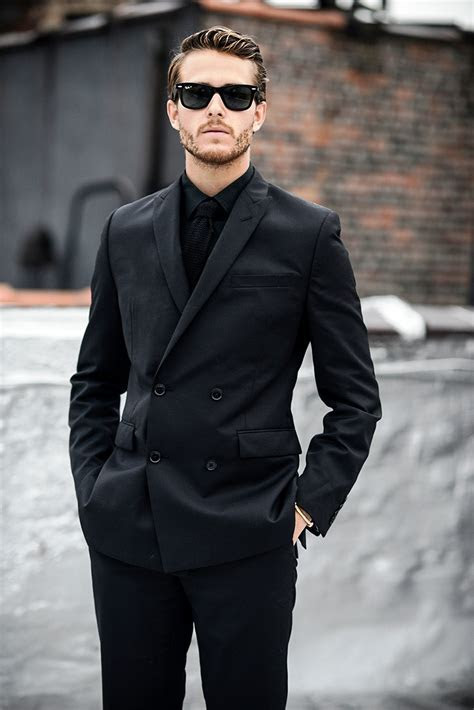 30 Black Suit Fashion Ideas For Men To Try