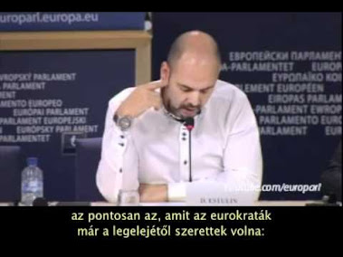 Sajtótájékoztató az Európai Parlamentben Tartja: Mario Borghezio (EP) és Daniel Estulin