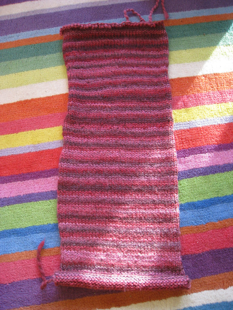 Frogged stocking stitch scarf