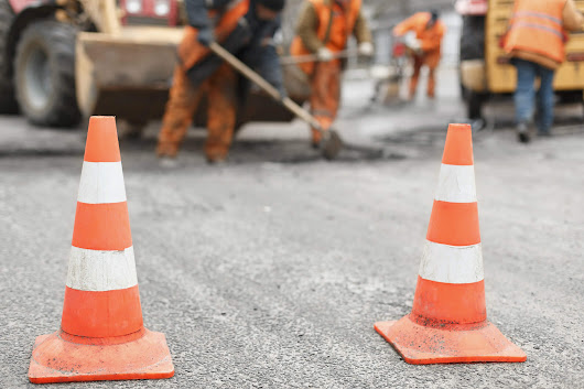 How to Create a Safe Work Zone Using Maintenance of Traffic