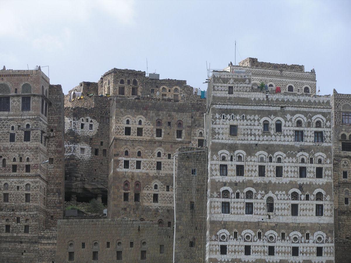 Al Hajjarah, a cidade da Idade Média com edifícios de vários andares 12