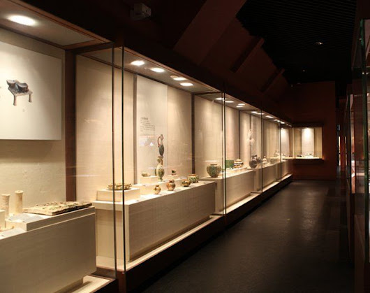 5 Types of Museum Display Cases - Ujoy Display Showcas