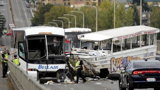 Four students die in Seattle bus crash