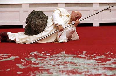 Cattelan Pope Meteor