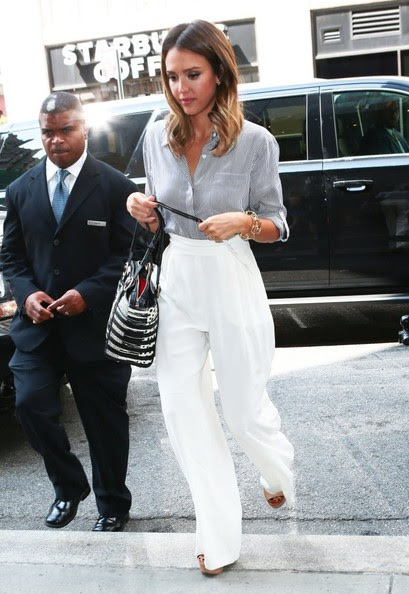 Jessica Alba - Jessica Alba Leaves the Trump SoHo Hotel