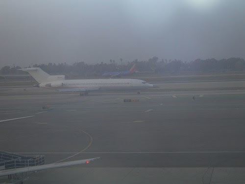 2008-02-29 View from Boardroom at LAX (1)