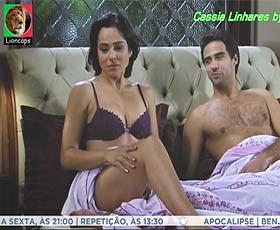 Cassia Linhares sensual na seire Rebelde