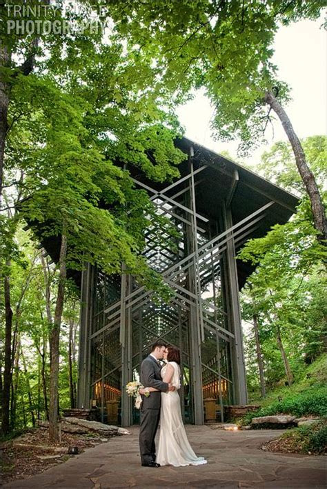 Eureka Springs Wedding Photographers ? Thorncrown Chapel