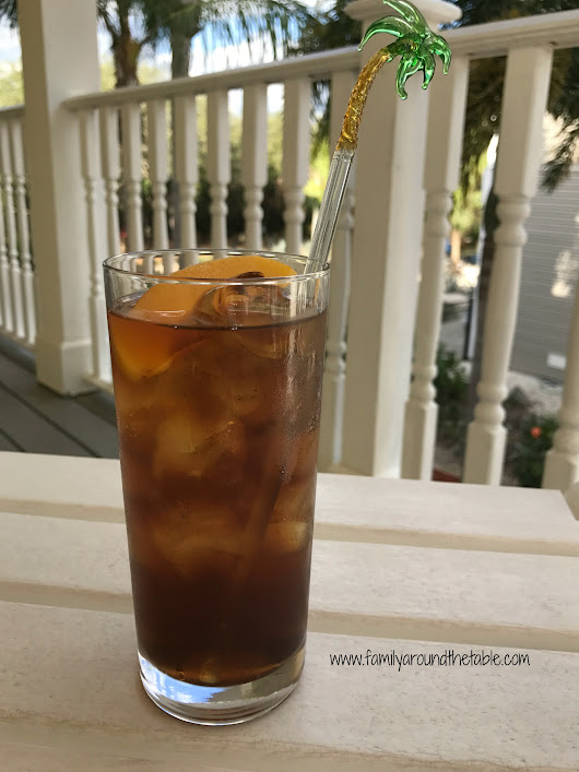Bourbon Peach Tea #DerbyDayRecipes • Family Around the Table