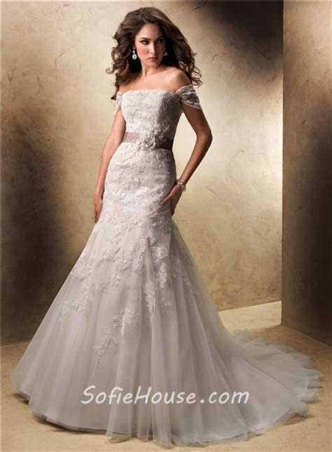 Sexy A Line Off The Shoulder Lace Wedding Dress With