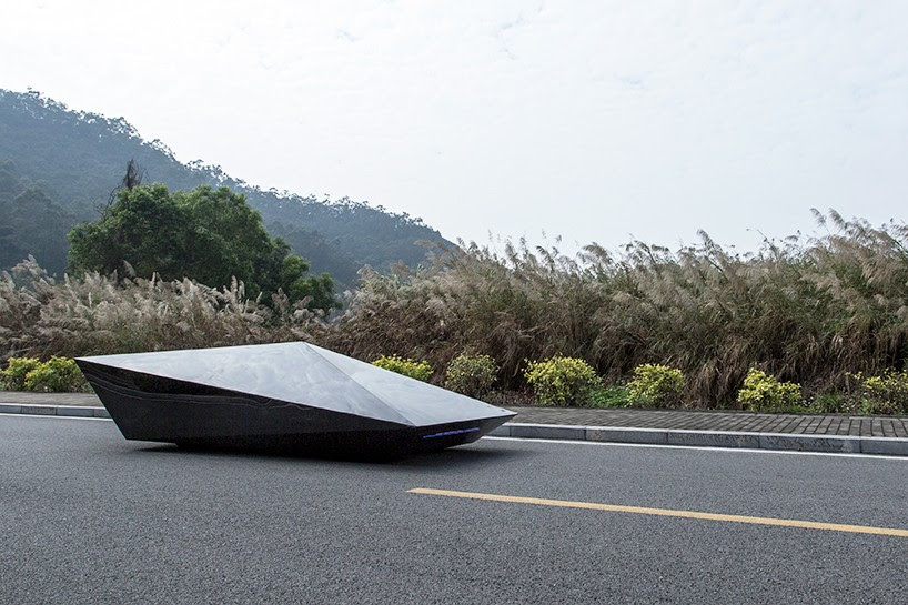united-nude-lo-res-car-designboom-03