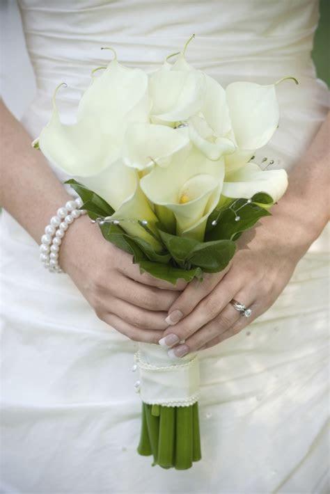Cheap Wedding Gowns Online Blog: Where to Get Wedding Hand