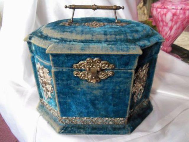 vintage blue velvet im viktorianischen Stil Schmuck-box