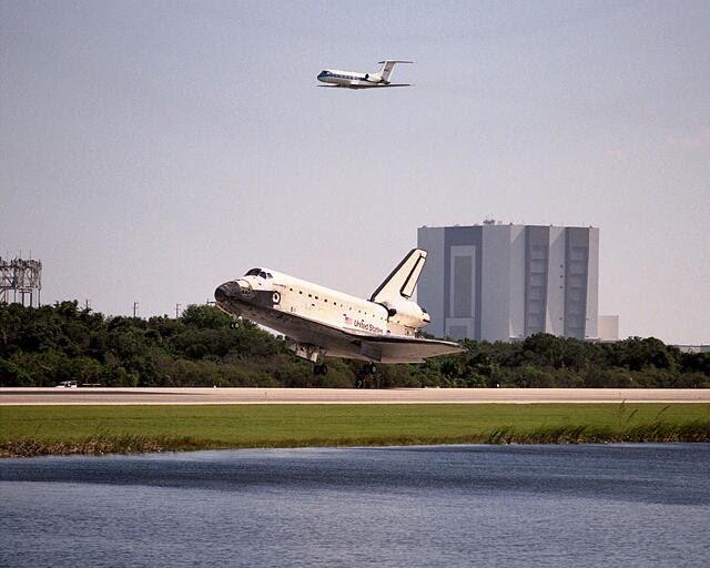 Nov07-1998-STS95_glenn