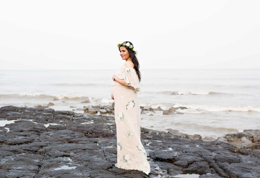 Maternity Shoot by the sea - Love Playing Dressup