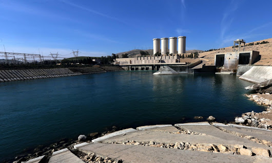 Mosul dam engineers warn it could fail at any time, killing 1m people
