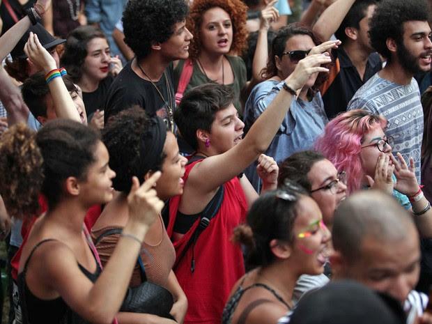 """Resultado de imagem para LAMENTÁVEL!!! Estudantes viraram """"massa de manobra"""" pela esquerda brasileira! VEJA AS IMAGENS!"""