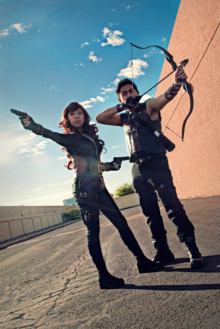 http://th03.deviantart.net/fs70/PRE/i/2012/338/6/c/black_widow_and_hawkeye_cosplay_by_oniakako-d5n29xs.jpg