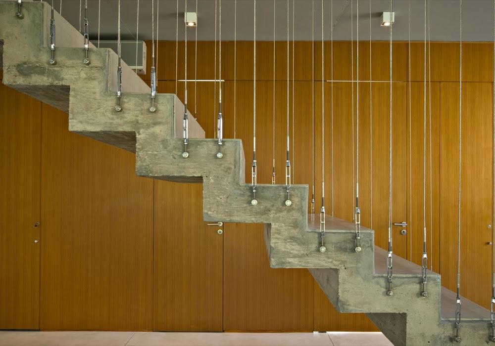 Casa en la horqueta arquitectonika tecno haus - Escaleras de ladrillo ...