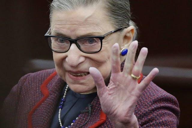 Ruth Bader Ginsburg  uma juíza popular e heroína de 85 anos
