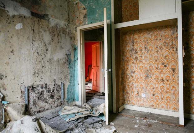 Inside the Old Oatlands Estate.