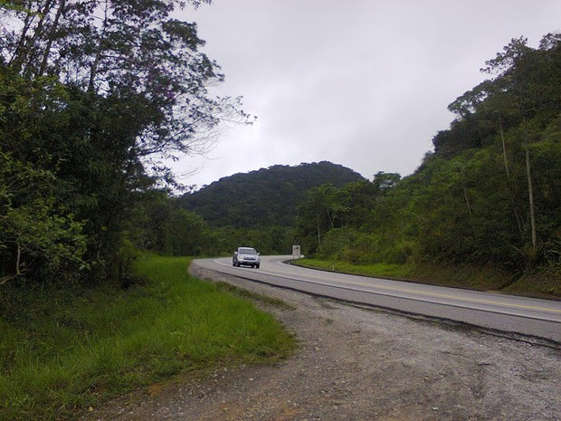 Corpo foi encontrado próximo à rodovia Rio-Santos, no Iriri (Foto: Reprodução)