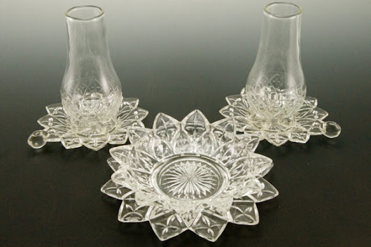 Flower Petal Glass Finger Lanterns and Lined Service Bowl