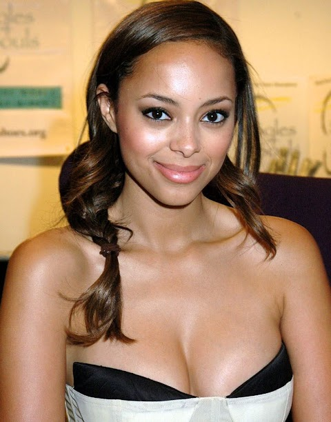Amber Stevens West Nude Pictures Exposed (#1 Uncensored)