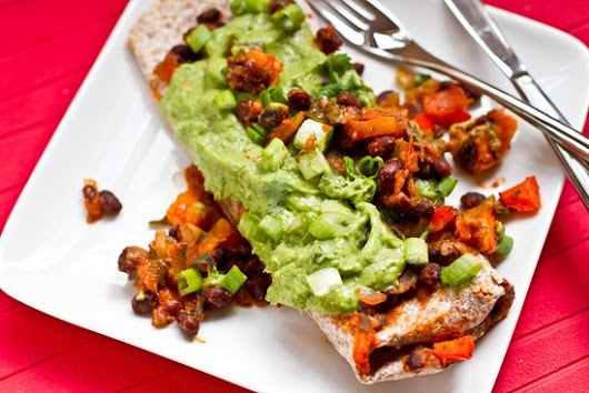 Mynd: Vegan Enchiladas with Cilantro Avocado Cream Sauce — Oh She Glows