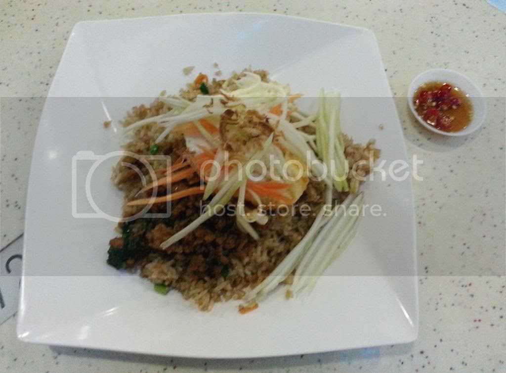photo TiongBahruMarket25Apr01.jpg