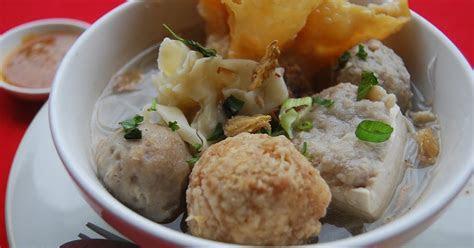 simak manfaat  bahaya makan bakso bagi kesehatan