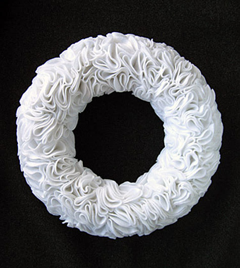 felt-ruffle-wreath
