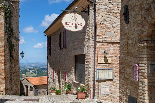 From Red Wine To Ruins: Agro Tourism in Le Marche, Italy - Eluxe Magazine