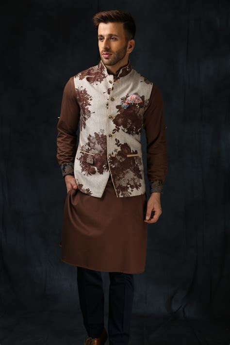 Indian Wedding Outfits for The Bride?s/Groom?s Brother