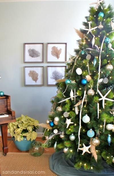 Coastal Christmas Tree bysandandsisal.com