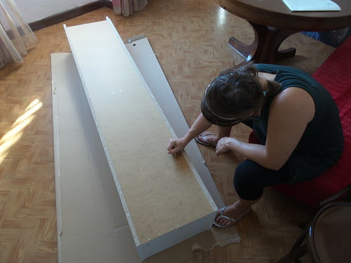 Montaggio mobili in corso... by Ylbert Durishti