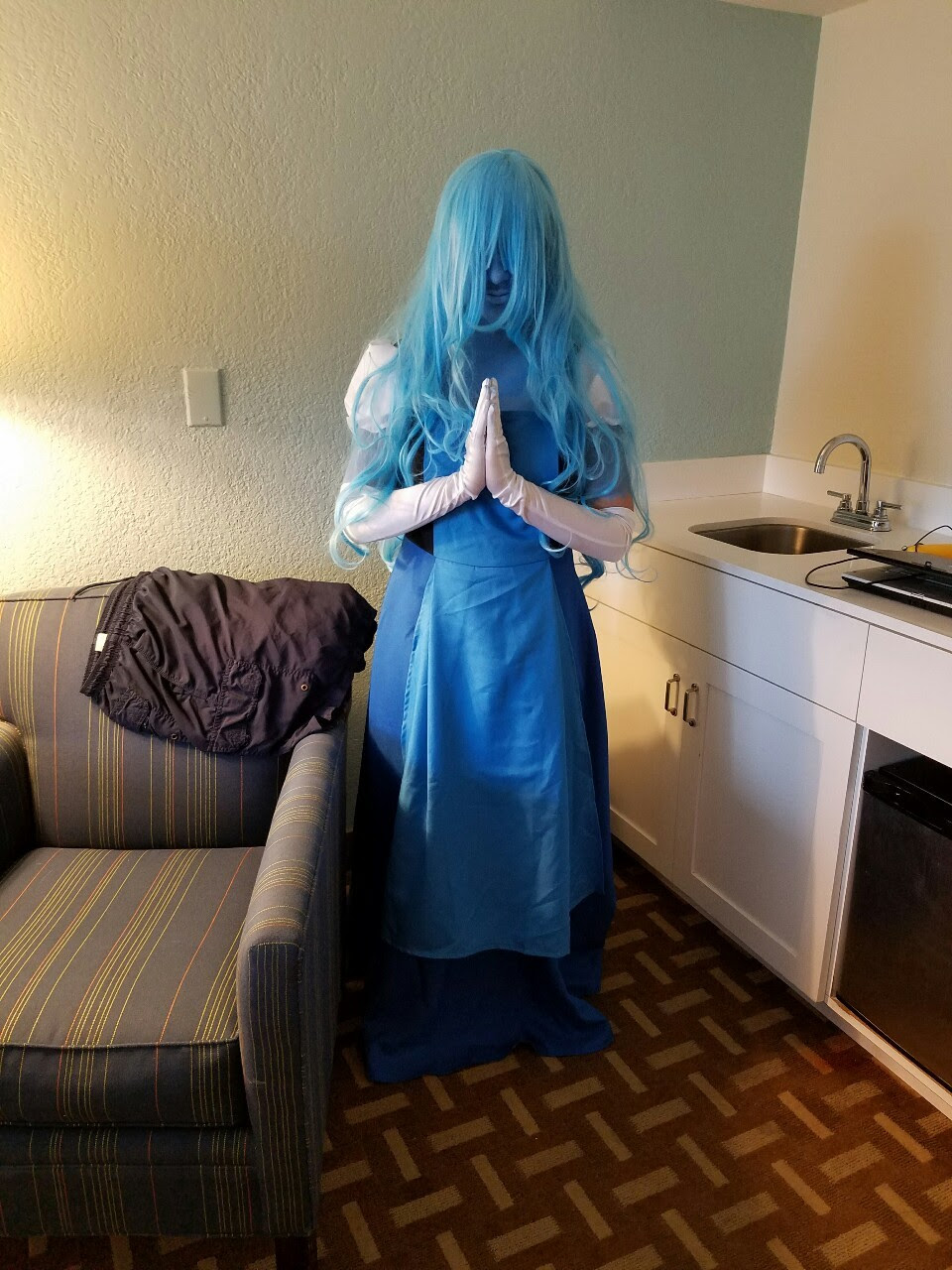 Pros & Cons of being a Sapphire cosplayer but secretly coming from the ghetto, hardly scraping up enough money to pay for the cosplay, and being me. Cons • Having to constantly pull the top of my...