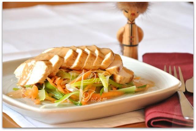 mogol usulü tavuk salatasi