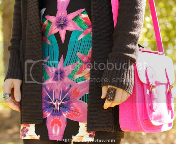 Lipsy tropical dress, Marni at H&M sunglasses, pink neon Xhilaration handbag, southern California fashion, Los Angeles style