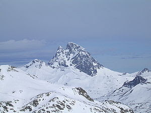 Pic Midi d'Ossau in winter (taken from Formiga...