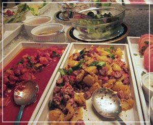 スモーガスボード、このあたりは「三皿目」くらいに食べるべき感じのもの