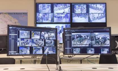 El primer centro de monitoreo en el subte porteño.