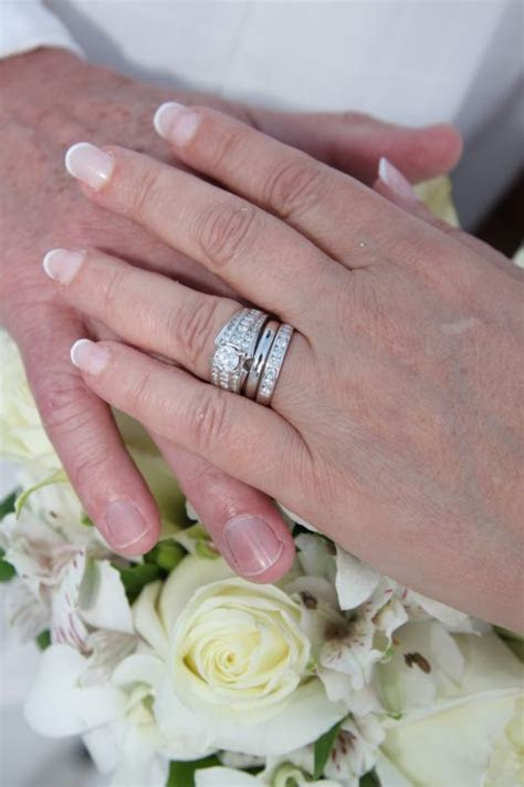 """How to """"work out"""" multiple rings for wedding ceremony?"""