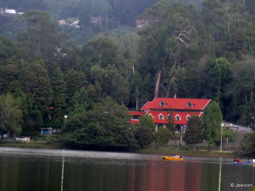 Lake side abode