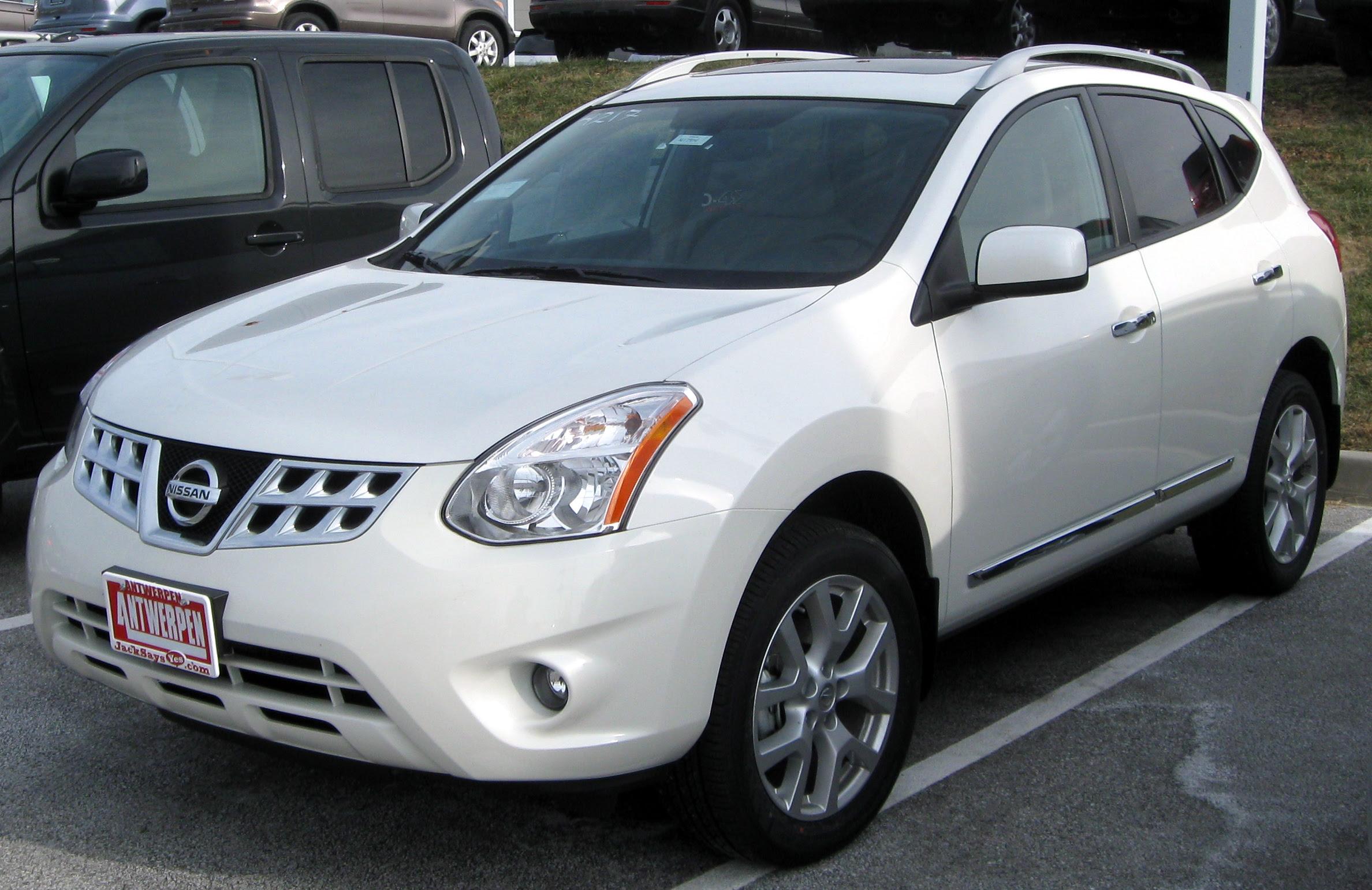File:2011 Nissan Rogue SV -- 12-31-2010.jpg